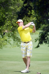 Former Champion Rick Cloninger of Fort Mill rallied to force a playoff, but lost out on the third extra hole at the Chanticleer National Senior Invitational.