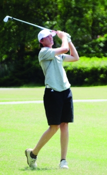 Reed Bentley shot a final round 6-under par 66 to win the boys title at the Upstate Junior.