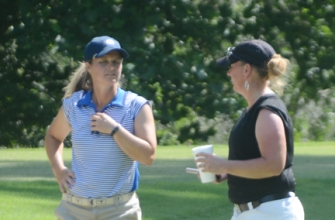 Dawn Woodard and Lea Venable will play for the 2015 WSCGA Match Play title on Friday starting at 10:20.