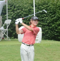 Trent Philiips has the lead in the suspended first round of the SC Am.