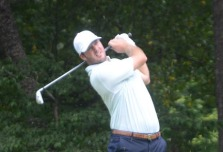 Thomas Todd shot a second 68 to climb up to third place.