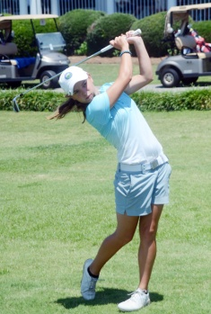 Baylee Evans of Lancaster shot three straight rounds of 70 to win her first major state championship.