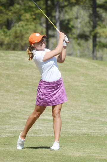 Stephenson won a college tournament at Yale and the Dixie Women's Amateur.