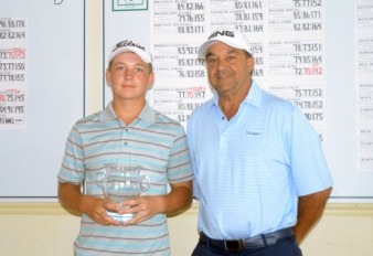 Nathan Franks receives his Sub-Junior award from Club pro Danny Agapion.