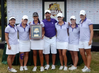 Furman finished second at the Cougar Classic. The team included Alice Chen, Haylee Harford, Natalie Srinivasan, Coach Jeff Hull, Carly Burkhardt, Taylor Totland and Assistant coach Laura DeMarco.