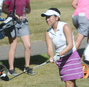 After several close calls Alice Chen earned her first college win with a one shot victory at the Central District Invitational.