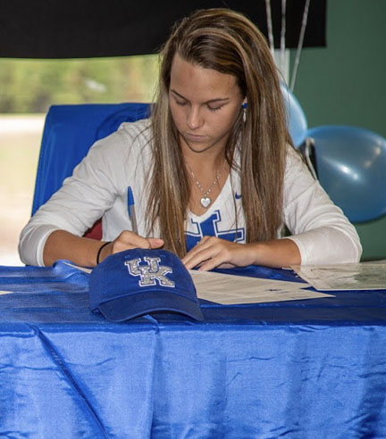 Jensen Castle from Gray Collegiate Academy has signed to play college golf at Kentucky. Castle also won the 2017 AAAAA individual championship and last year added a tie for medalist honors at the Carolina Junior PGA championship to her resume.